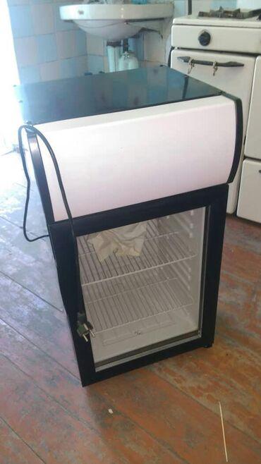 Продаю холодильник. С подсветкой. Или обмен на мобильный телефон или