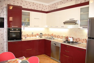 qaracuxur 1 2 3 4 5 6 7 donge satilan heyet evleri son elanlar in Azərbaycan | DƏSTLƏR: 280 kv. m, 5 otaqlı