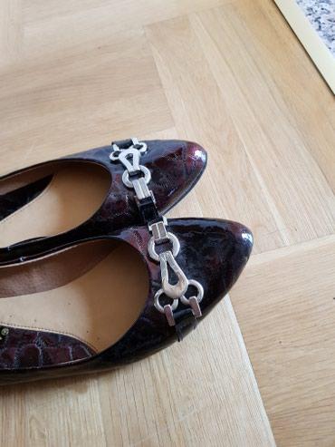 Ženska obuća | Odzaci: Kožne balentanke broj 41 boja je bordo crna