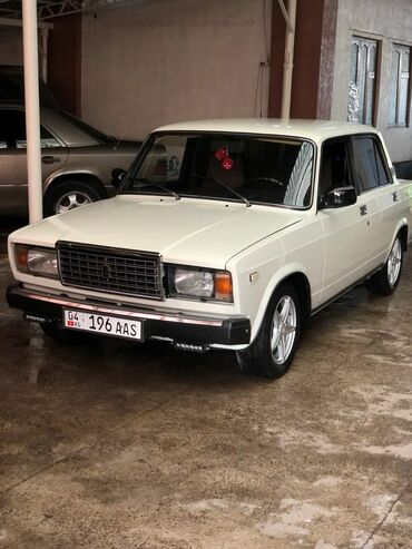 двигатель нива 1 7 инжектор цена in Кыргызстан | ВАЗ (ЛАДА): ВАЗ (ЛАДА) 2107 1.5 л. 1990