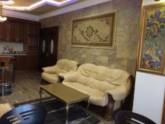 Bakı şəhərində Mənzil kirayə verilir: 4 otaqlı, 130 kv. m., Bakı