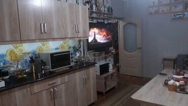 Продаю квартиру 2 комнатная 70 кв/м в Таунхаусе 1этаж на окнах решетки
