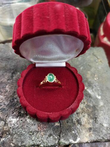 кольцо для туалета в Кыргызстан: Кольцо золота 583,с изумрудом,2,97гр, размер