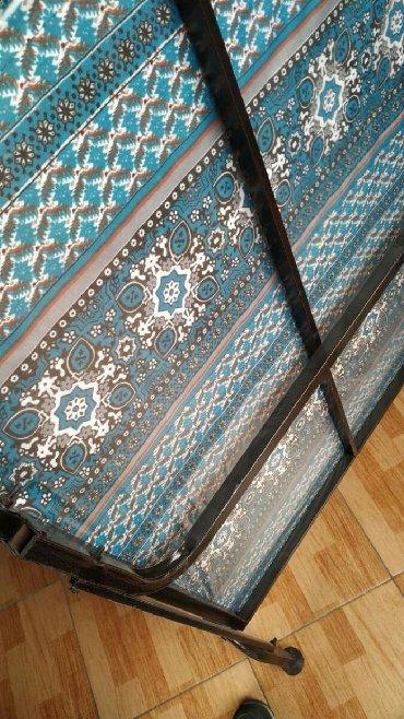 шикарная кровать в Азербайджан: Qatlanan çarpayı 70×185 qalınlıq 5sm 60 azn başqa çeşidlər var