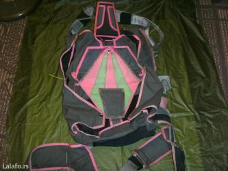 Sport i hobi - Vrsac: Interesantna kombinacija sivog platna i pink opšivke. Jedina mana je