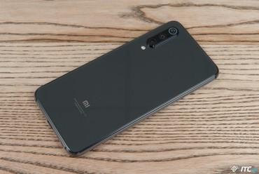Bakı şəhərində Xiaomi MI 9 SE 6/64GB PianoBlack, Global Version, bu model birbaşa