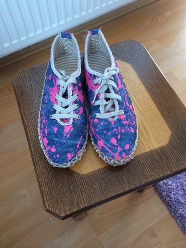 Ženska patike i atletske cipele | Jagodina: Patike 37 br