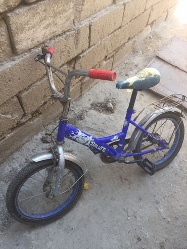 детская обувь валенки в Азербайджан: Velosiped saz veziyyetdedir (16 lig) Son qiymetdir