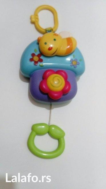 muzička igračka na potez proizvodi umirujuće melodije korišćena, - Batajnica