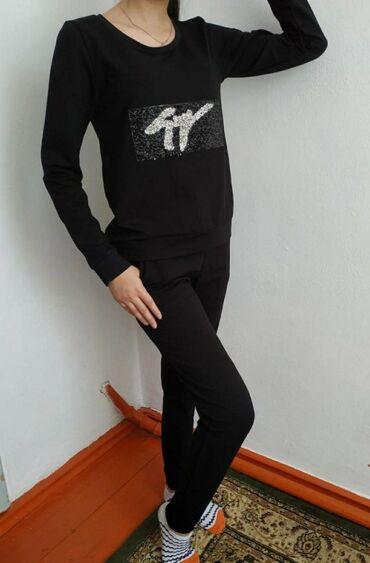 Личные вещи - Орловка: Спортивный костюм новый размер 42