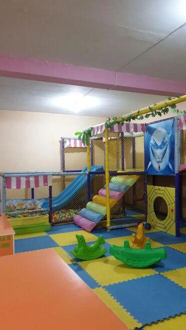 Продаю игровой детский лабиринт размером 12×5 метров. В хорошем
