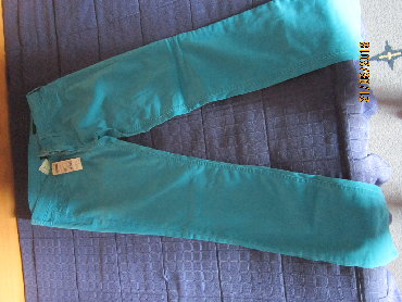 Pantalone-benetton-e - Srbija: Prodaje benetton pantalone, velicina 28