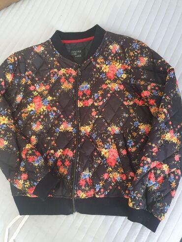 Bershka jaknica M