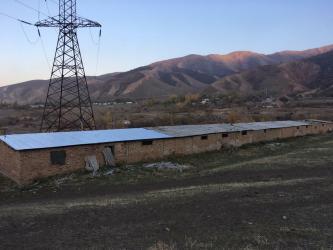 Продажа зданий в Кыргызстан: Продается типовая кошара в с. Сосновка для содержания скота - 500
