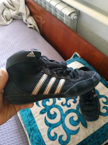 Личные вещи - Таш-Мойнок: Кроссовки и спортивная обувь