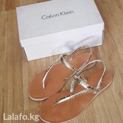 Продаю кожаные босоножки calvin klein. Привезены из США. Размер: 37. в Бишкек