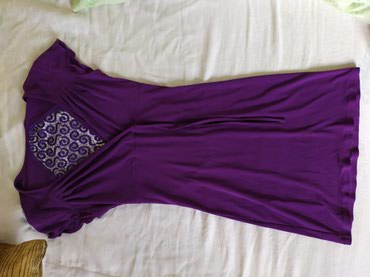 Платье в очень хорошем состоянии. Размер 42. Долина чуть выше колен. в Бишкек