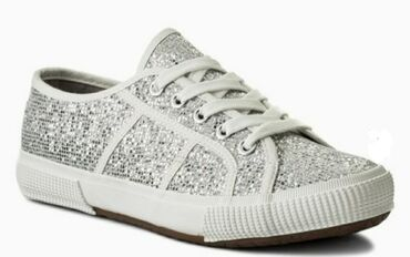 Ženska patike i atletske cipele   Valjevo: Letnje patike 38br novo