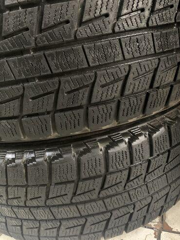шини 17 60 в Кыргызстан: 215/60/17 Bridgestone, зимние. Комплект в среднем состоянии 8000 сом