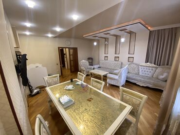 требуется воспитатель в детский сад в Азербайджан: Продается квартира: 3 комнаты, 111 кв. м