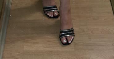 Natikače | Srbija: Papuce na stiklicu,kozne
