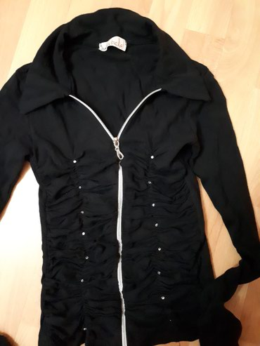 Bluzica kao nova S.+ dajem besplatno jaknicu roze od skaja isto S br. - Jagodina