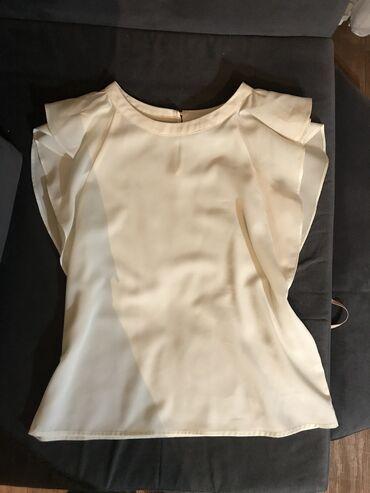 Блузочка, базовая, подходит под все, цвет айпери светлее чем на фото