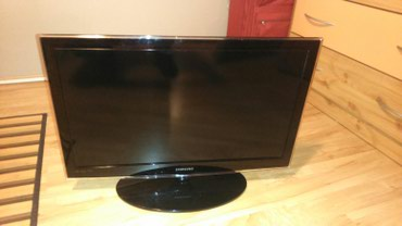 Samsung 32 inca led tv,kao nov,ima problem boje su razlivene. - Bor
