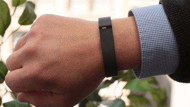Bakı şəhərində Fitbit flex  Üzərində usb kabel