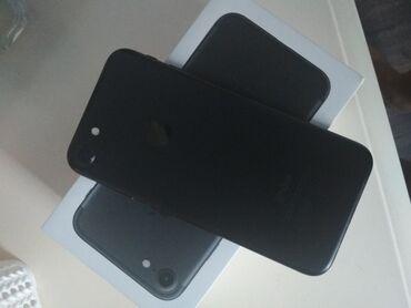 Продетс Айфон 7 черный 128гб в отличном состоянии без царапин