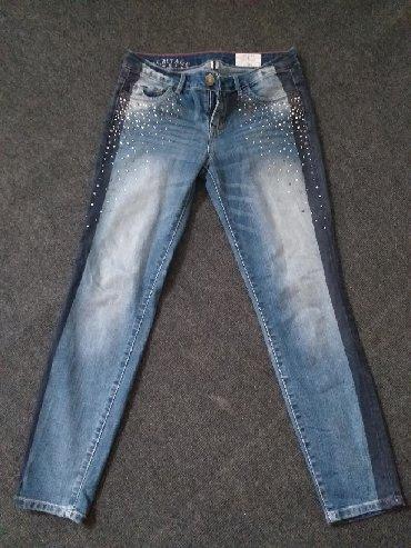 Pantalone-farmerice-br - Srbija: Farmerice 28 br veoma moderne sa cirkonima kupljene u inostranstvu 🧸