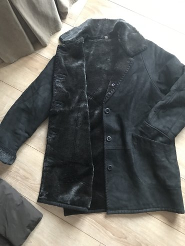 Zimska jakna - bunda , vestacko krzno unutra , vrlo sik i lepa , broj - Beograd