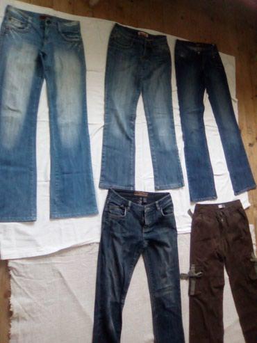 Pantalone broj 28