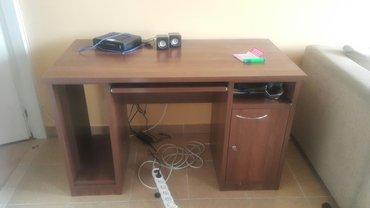 Hitno prodajem masivan pisaći sto! Kao nov! Prostor za kućište,otvor z - Beograd