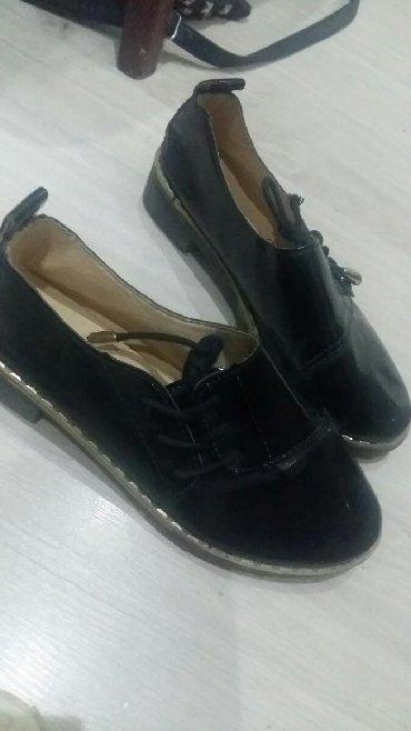 туфли черные 35 размера в Кыргызстан: Продаю детские туфли 35 размер на 7-8 лет