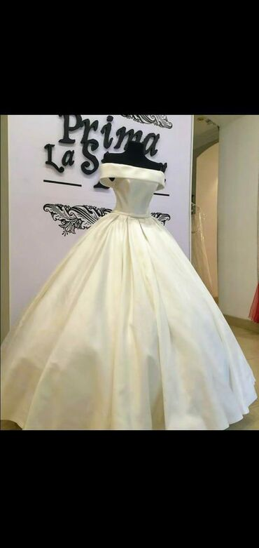 shapka s cvetami в Кыргызстан: Продаю свадебное платье .S размер.20000сом.#купить свадебное платье