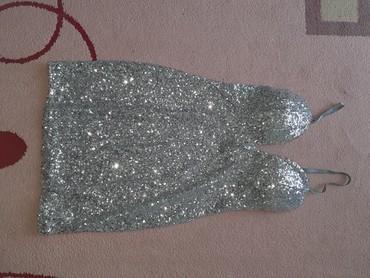 Grudnjak - Srbija: Prelepa haljina univerzalna veličina, samo jednom obučena, srebrna