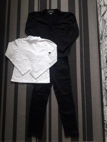 костюм школьника 18 в Кыргызстан: Продаю комплектом форму для школьника 1 класс. Брюки-слаксы с