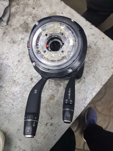 Запчасти mercedes - Кыргызстан: Продаю датчик положения руля полностью сборе на запчасти Mercedes