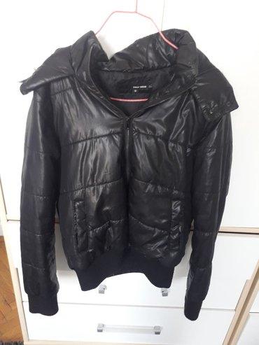 Crna jakna Tally Weijl u odlicnom stanju nošena je par puta velicina