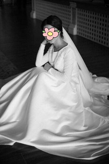 Продается шикарное, стильное свадебное платье. Одевала один раз