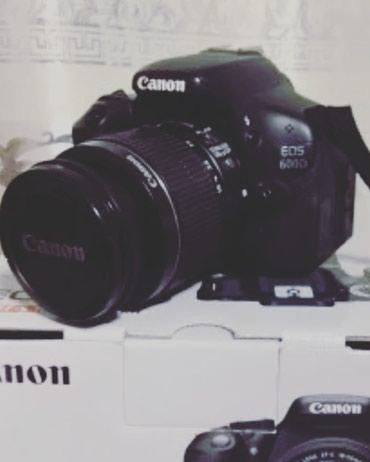 Qusar şəhərində Canon 600D+18-55mm onbeytiv.Probegi 1500 du aparatin.Whatsappla elaqe