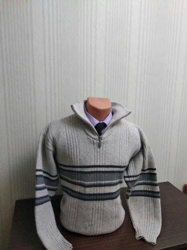 Зимний толстый свитер! Очень теплый! Отличного качества! в Бишкек