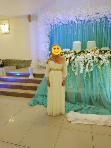 Шикарное платье цвета айвори,в в Беловодское