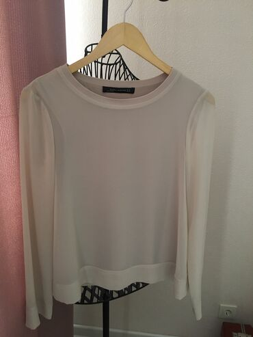 Продаю новую стильную шифоновую блузку, на вискозной подкладке Zara