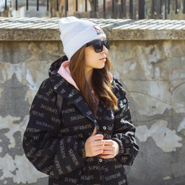 Куртка Supreme. Размер М. Унисекс. Состояние 10/10.  в Бишкек