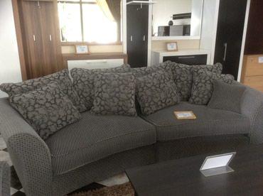 staryj divan sovetskij в Кыргызстан: Диван + 2 кресла. Продаем!!!Длина дивана - 3 метра, ширина - 1,10