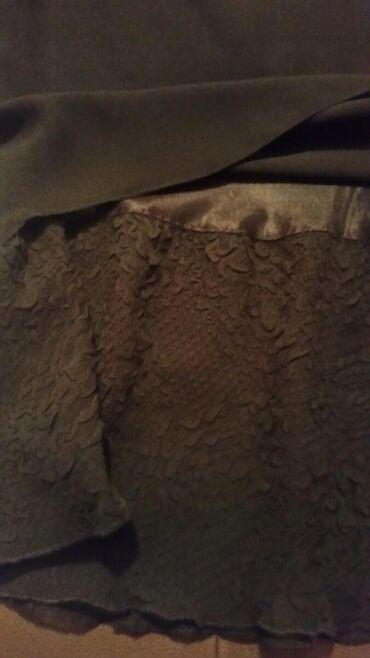 Uska svecana suknja sa dodatkom cipke