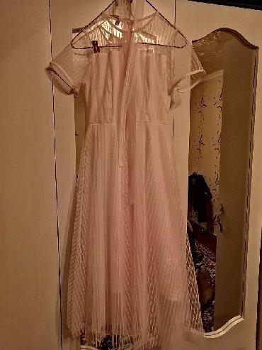 Женская одежда в Кызыл-Кия: Платье очень красивое,нежное, пыльно розового цвета, размер