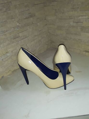 Продам туфли в идеальном состоянии. Носила один раз